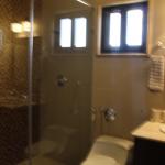 FeW-VM-LT52 - third-bedroom-with-bathroom-02