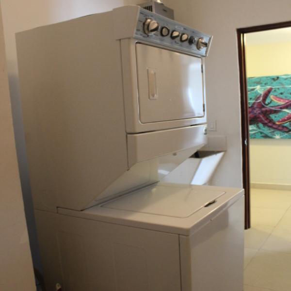 Few-VM-LO9D-laundry