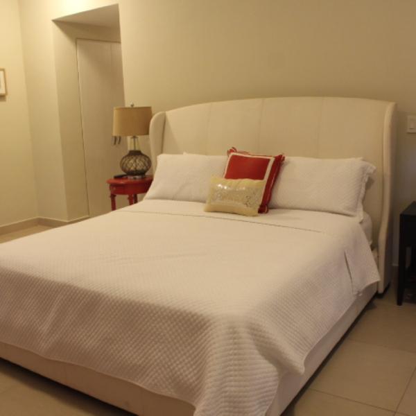 Few-VM-LO9D-master-bedroom-with-bathroom